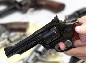 Homem é assassinado com 11 tiros e sua mulher baleada nas costas