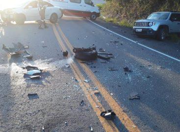 Cantor o clone fica ferido após acidente na BR 235 em Laranjeiras