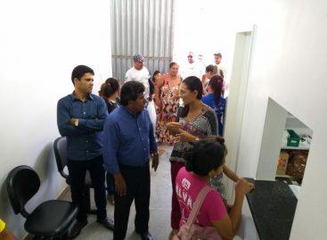 Bigode faz visitas em unidades de saúde na zona sul da capital sergipana