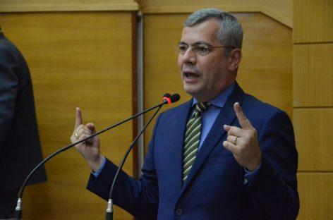 """Iran diz ter ficado contrariado com o """"monólogo"""" do governador"""