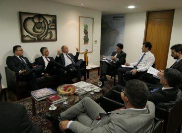 Belivaldo se reúne com ministro para solicitar apoio aos pleitos de Sergipe