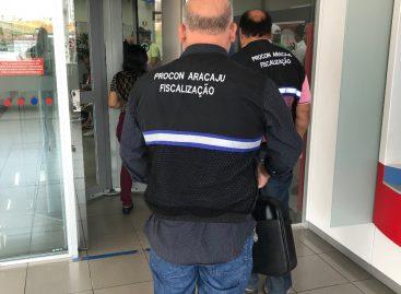 Prefeitura de Aracaju fiscaliza 19 agências bancárias