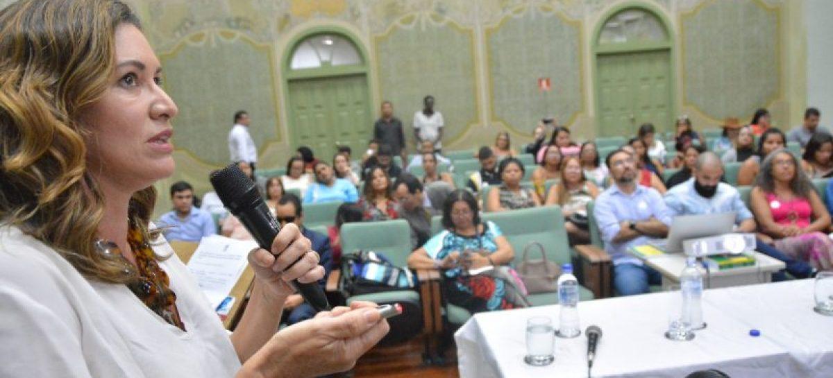Endometriose: Dúvidas tiradas em palestra na Escola do Legislativo