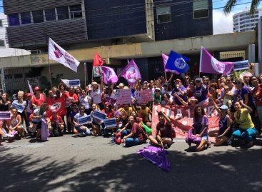8 de março: mulheres protestam contra o governo de Bolsonaro em Sergipe