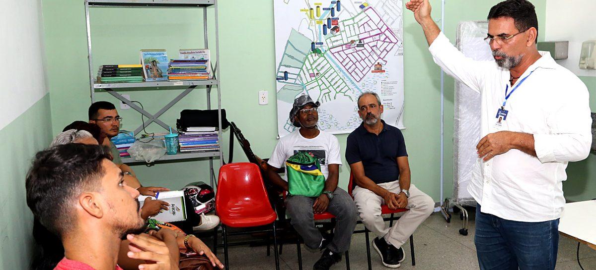 Prefeitura e UFS iniciam projeto de requalificação da Farmácia Viva em Aracaju