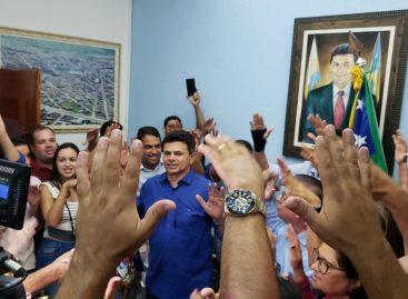 População de Itabaiana recebe Valmir de Francisquinho com festa