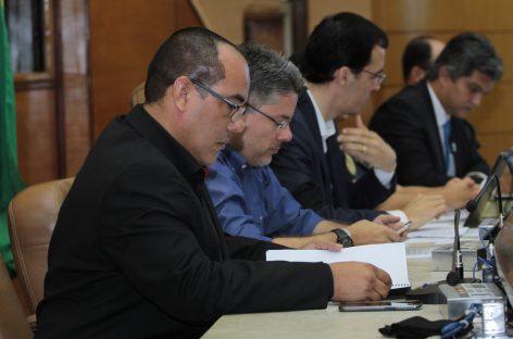 Em audiência na Alese Amintas reforça apoio ao pleito dos concursados da segurança pública