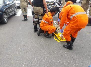 Veículo invade preferencial e atropela agente de trânsito em Aracaju