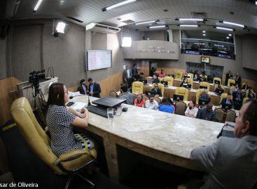 Secretária Waneska Barboza apresenta relatório quadrimestral na CMA
