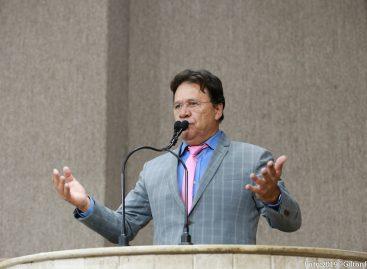 Pastor Alves faz críticas à postura de Edvaldo Nogueira