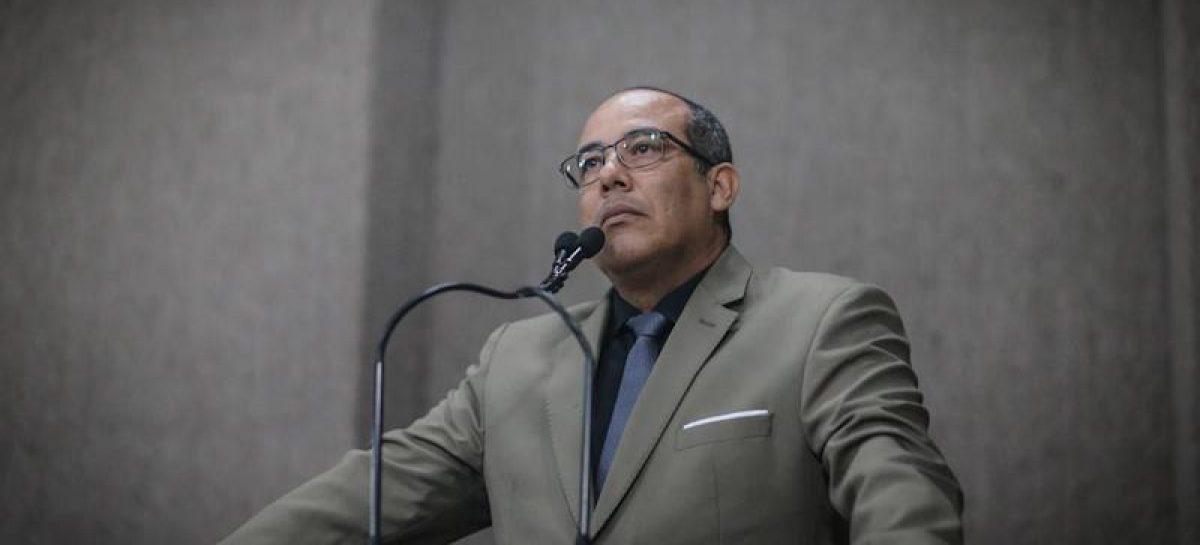 """Vereador diz que presidente da CMA, Nitinho, """"age em conjunto com um chefe de quadrilha"""""""