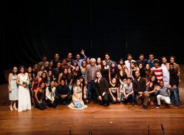 Peça teatral 'O Futuro da Humanidade' é apresentada por alunos de medicina