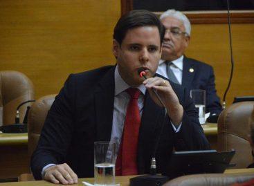 Querem implantar um estado ateu e não vamos aceitar, diz Rodrigo Valadares
