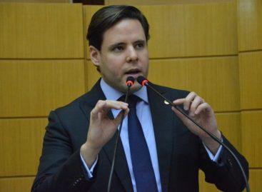 Rodrigo Valadares requer a suspensão da cobrança da taxa de esgoto