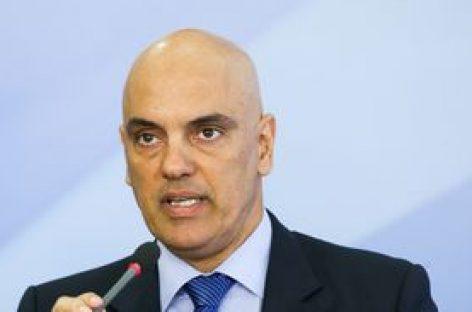 Moraes mantém inquérito para apurar fake news após PGR arquivar