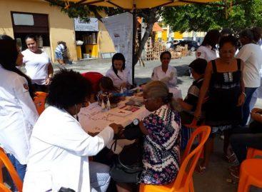 UNINASSAU leva ação de saúde aos mercados de Aracaju
