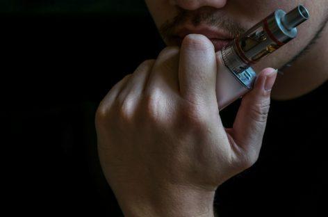SES alerta que cigarro eletrônico não deve ser alternativa para deixar de fumar