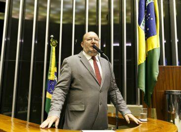 João Daniel diz que Ministério da Educação foi entregue ao setor privado