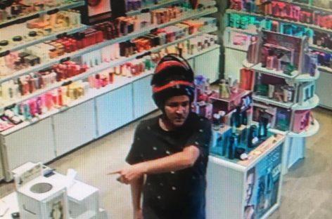 Polícia Civil divulga imagens de roubo em estabelecimento comercial