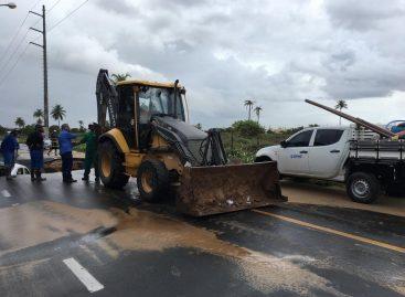 Deso faz reparo em vazamento na Zona de Expansão de Aracaju