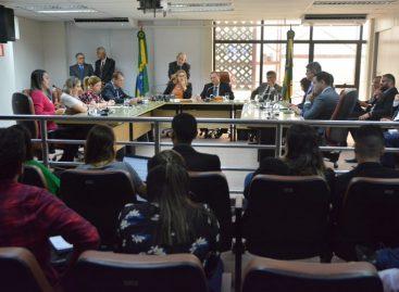 Comissões: Deputados analisam projetos com participação da oposição