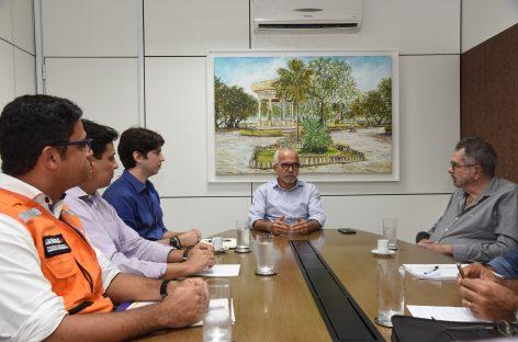 Edvaldo discute com Comitê de Crise ações de enfrentamento aos efeitos das chuvas