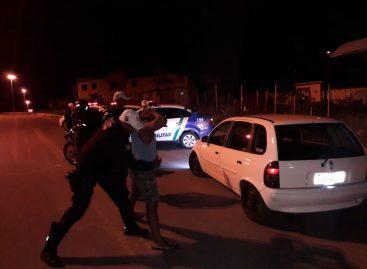 CPTRAN prende homem por porte de simulacro de arma de fogo no Parque São José