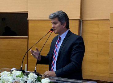 Deputado apresenta PL de combate à auto mutilação e suicídio