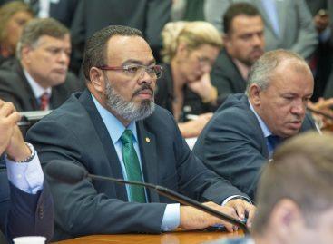 Valdevan Noventa enaltece projeto que permite reeleição de conselheiros tutelares
