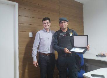 Oficial da Polícia Militar é homenageado pela General Eletric