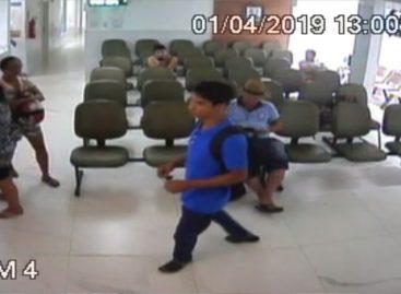 PC divulga imagens de homem que furtou notebooks em clínica de Lagarto