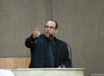 """Vereador afirma que """"Edvaldo é o prefeito que manda na Câmara Municipal"""""""