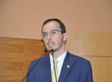 Georgeo critica a falta de merendeiras em escolas da Rede Pública Estadual