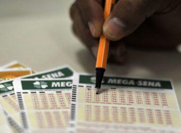 Mega-Sena acumula e próximo prêmio vai pagar R$ 12 milhões
