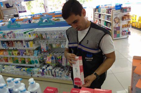 Farmácias são autuadas por exporem produtos à venda sem a devida especificação