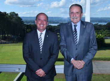 Machado vai a Brasília e debate política sergipana com ministro e deputado
