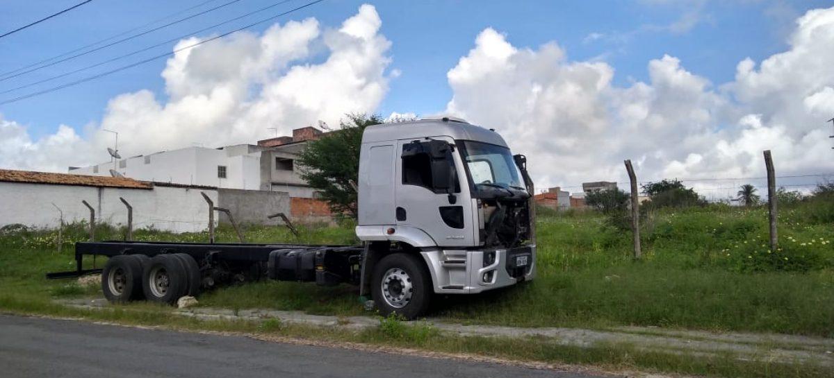 Polícia Civil recupera em Sergipe caminhão roubado em Pernambuco