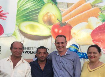 Zezinho Sobral participa de entrega de caminhão para agricultura familiar