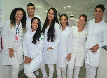 Acadêmicos de enfermagem doam sangue e aderem ao cadastro de medula óssea