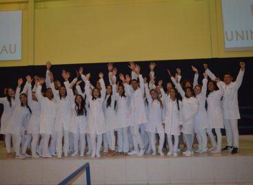 UNINASSAU Aracaju realiza Cerimônia do Jaleco