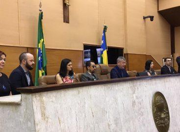 Surdos pedem implementação de escolas bilíngues em Sergipe