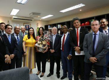 Vereadores prestigiam entrega de títulos de cidadania à ministra Damares Alves