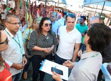 Conselheira do Tribunal de Contas inicia análise e coleta de dados nas feiras livres de Sergipe