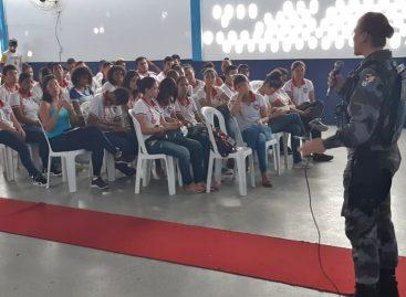 PM ministra palestra em seminário na Paróquia de Santa Rosa de Lima