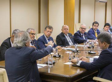 Laércio fala com Paulo Guedes sobre crescimento e produtividade do Brasil