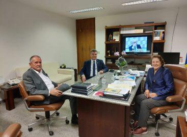 Senadora Maria do Carmo oficializa convite para Garibalde ingressar no DEM