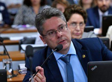 Proposta de criminalização da LGBTfobia avança no Senado