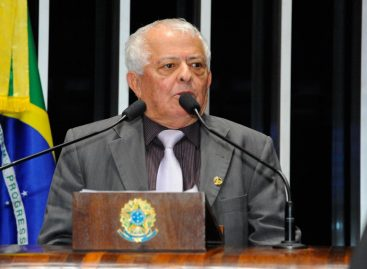 Se sentindo desprestigiado, ex-senador Elber Batalha vai deixar o PSB