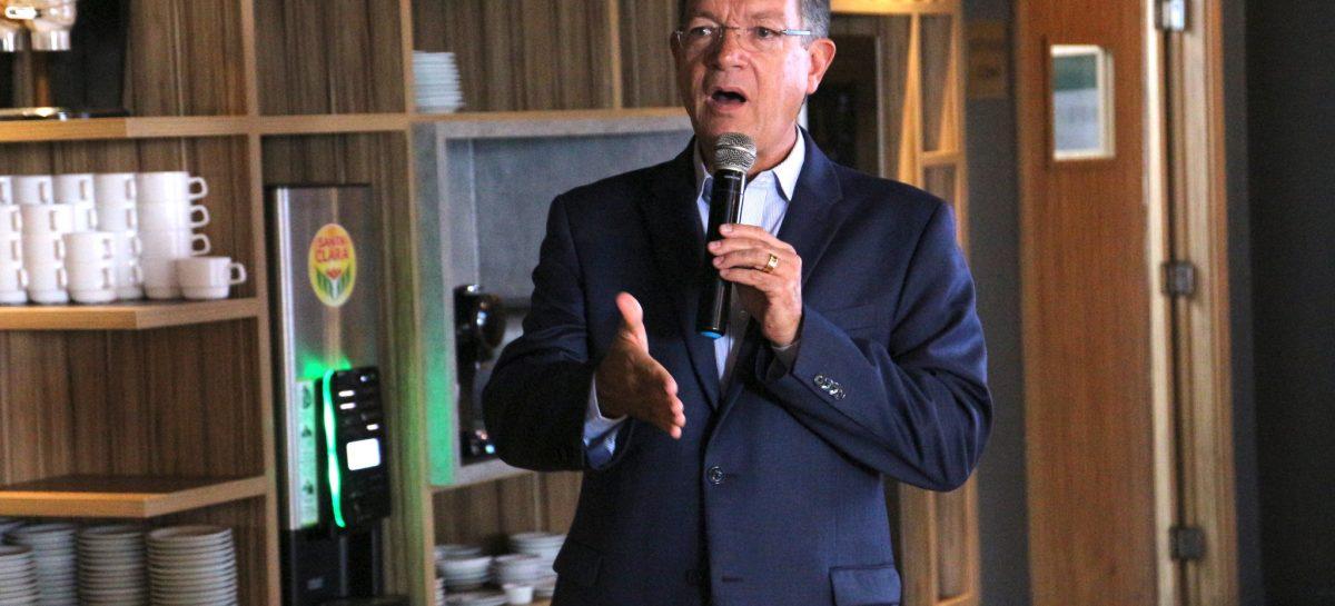 Deputado Laércio Oliveira fala a Rotary Clube sobre importância do Sistema S