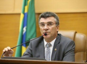 """""""Até hoje espero uma ligado de Edvaldo Nogueira; acho que não sou importante"""", diz Garibalde"""